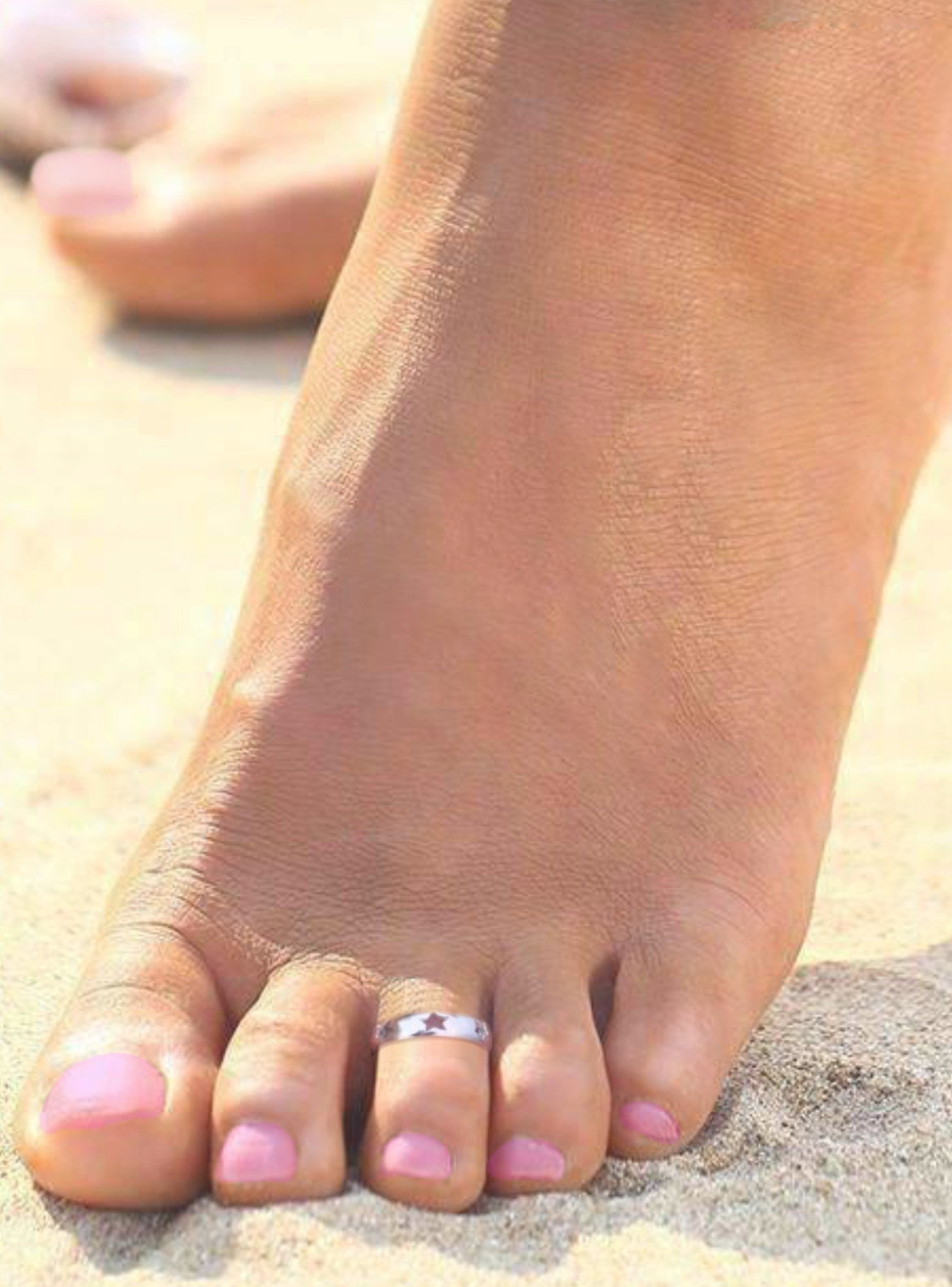 Lucky Star Toe Ring in Sterling Silver