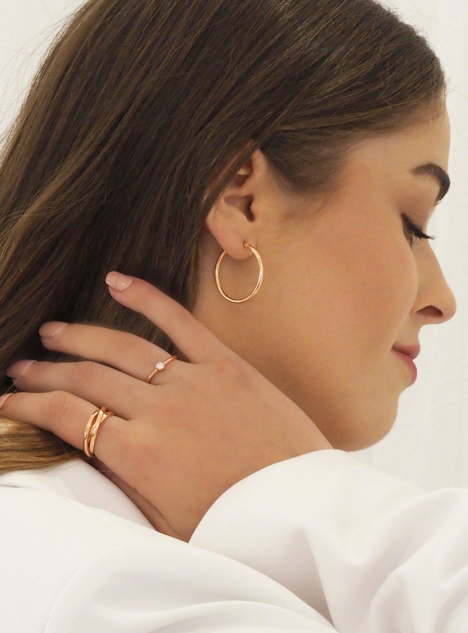 Dakota Simple Hoop Earrings in Rose
